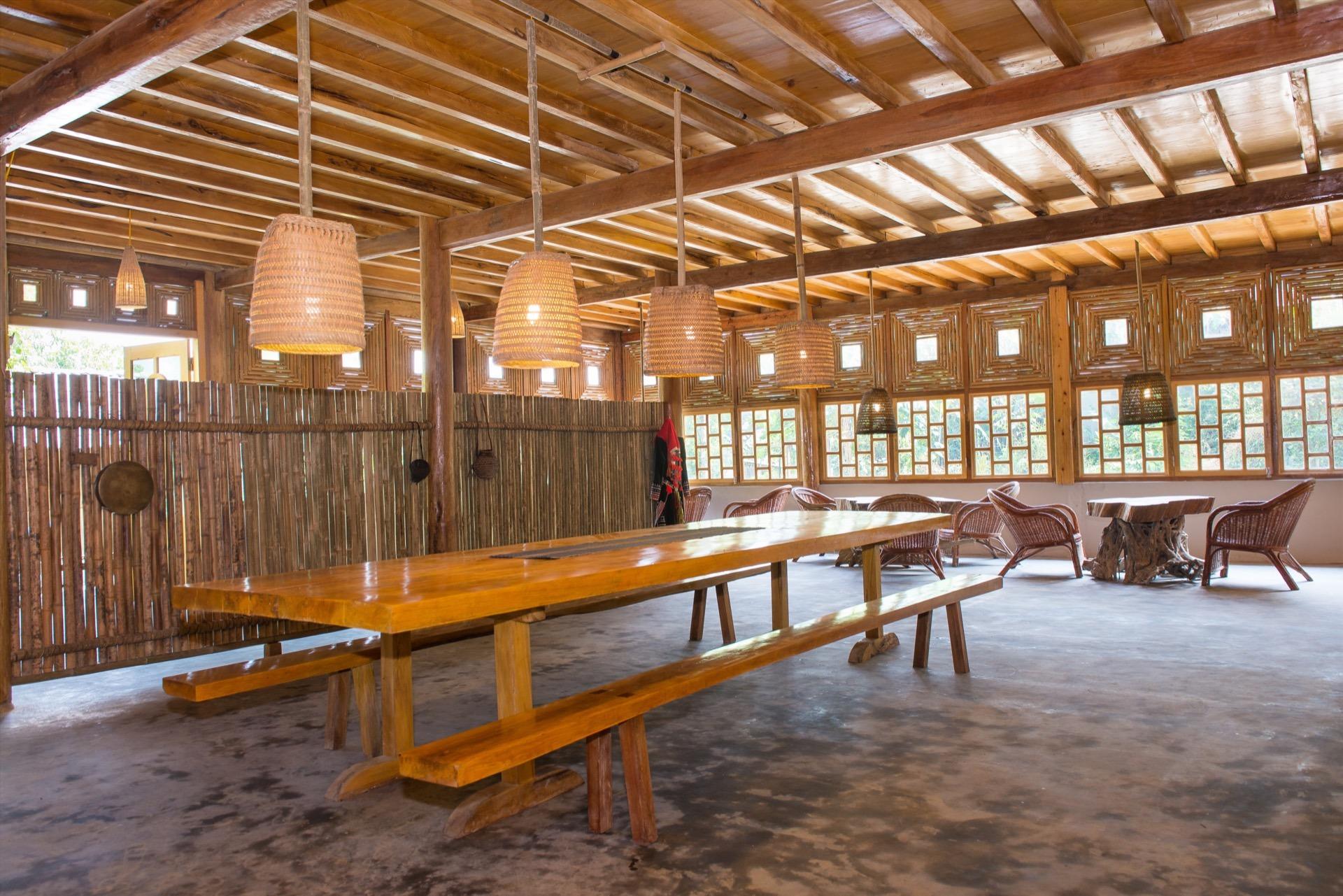 Traditional stilt house Topas Riverside Lodge