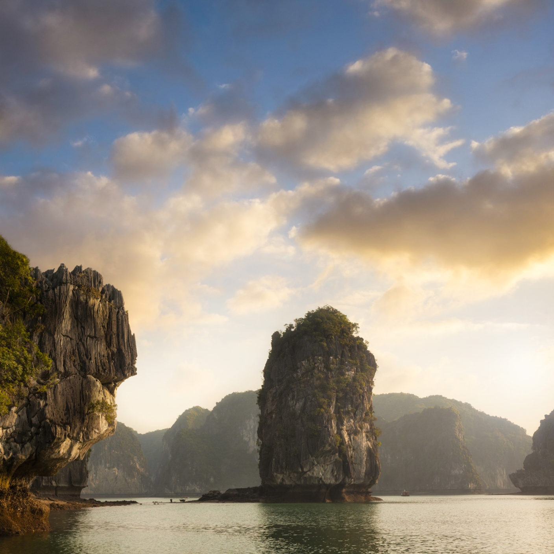 Travel in Lan Ha Bay in Vietnam